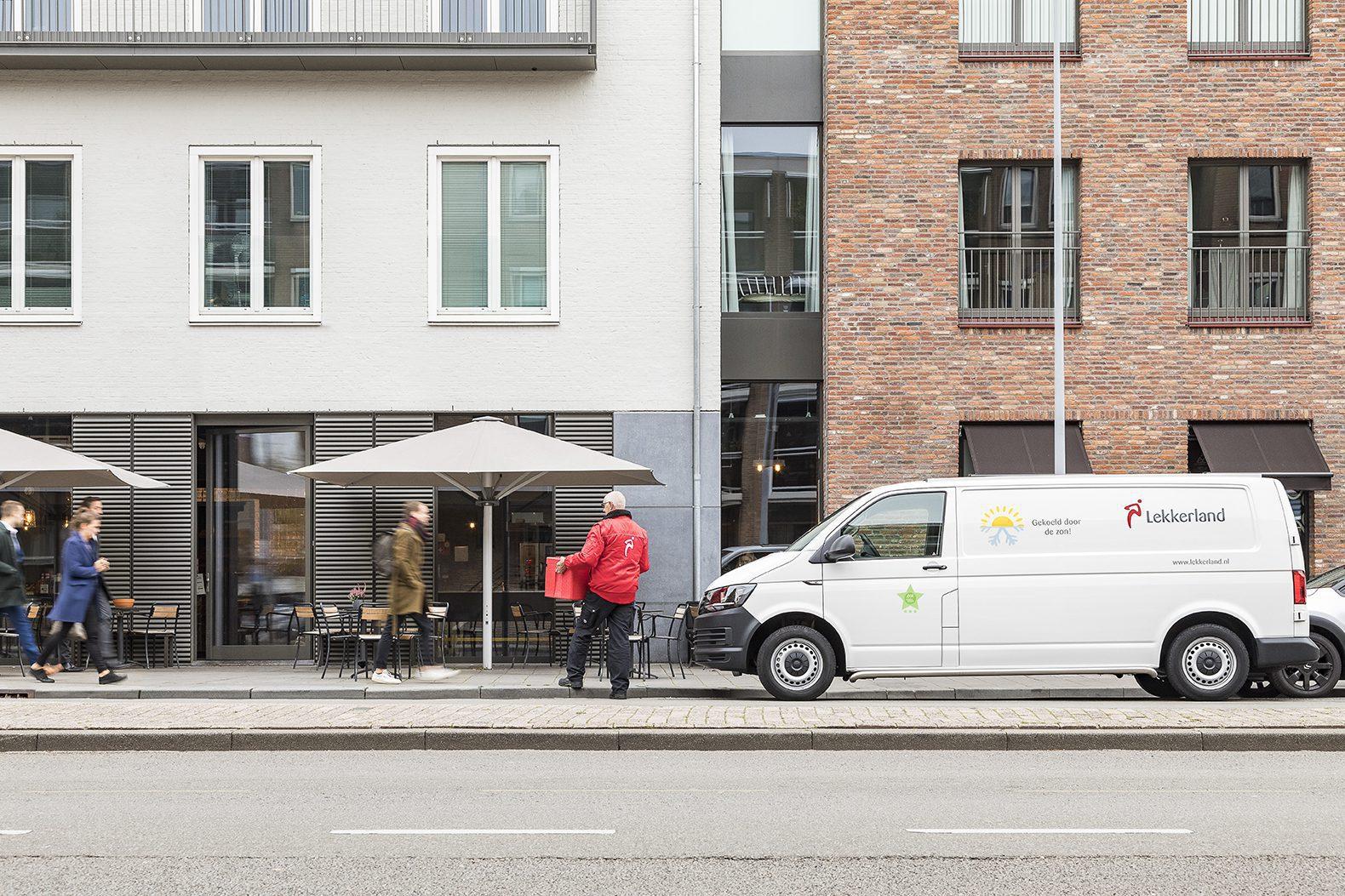 Lekkerland bus service aflevering klant centrum